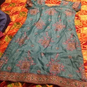 Salvaar  Suit  Indian (Punjabi) traditional dress